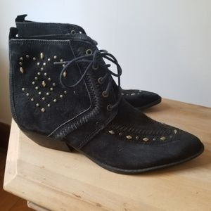 Vintage Clicks suede boots with embellishment 8